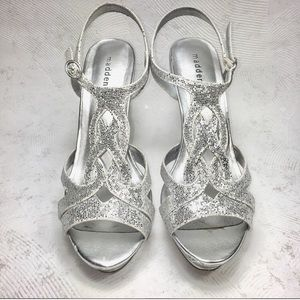 Madden Girl Formal Silver Loopy Heels Homecoming